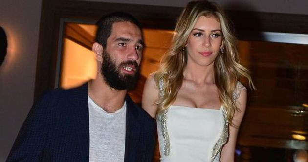 Arda Turan ve Sinem Kobal Evleniyor mu?