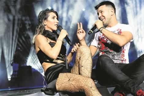 Hande Yener'in İnanılmaz Kıyafeti