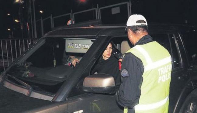 Ayşe Hatun Önal Alkollü Araç Kullanırken Yakalandı