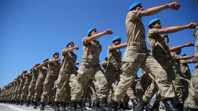 Tek Tip Askerlik Geliyor: 3 Ay Zorunlu 6 Ay Bedelli